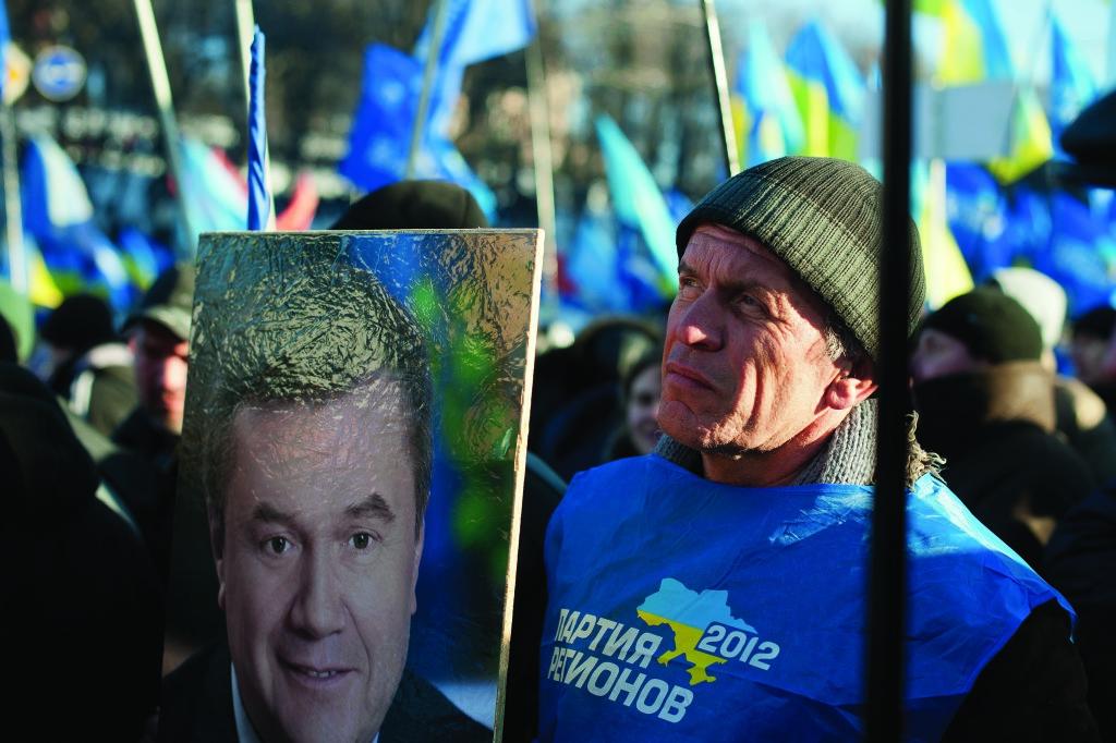 «Это (Майдан) – наш рок и мы должны идти до конца». Такие слова, в обед 18-го, Алек- сандр Янукович сказал Сергею Таруте. Стало понятно: власть решила окончательно зачи- стить Майдан и отступать не намерена.