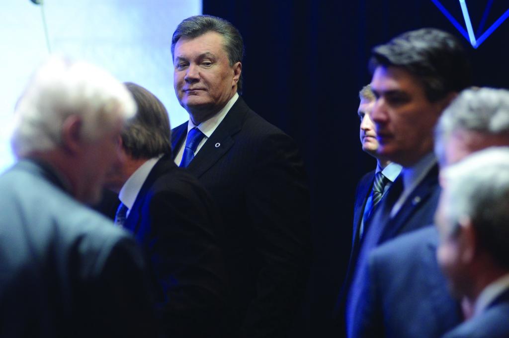 Після зустрічі з Володимиром Путіним у підмосковному бункері Віктор Янукович почав поводитися алогічно – як людина, чимось дуже налякана. На Вільнюському саміті він здійснив стрибок у порожнечу.